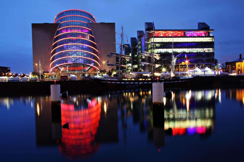 krajina-krajinka-foto-modra chvilka-blue momnet-blue hour-Dublin-Liffey-photo-levice-mayaphoto